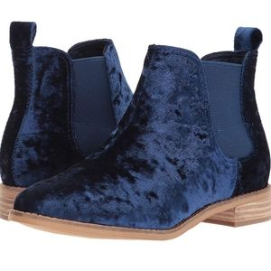 TOMS Women's Ella Boots Navy Velvet Size 6
